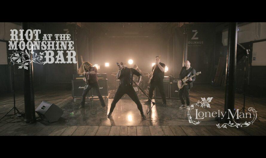 "RIOT AT THE MOONSHINE BAR: ""Lonely Man"" wird mit Musikvideo veredelt"